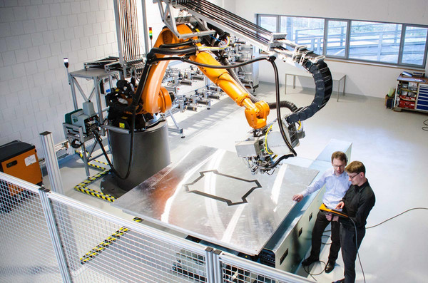 Preforming-Anlage der Compositence GmbH