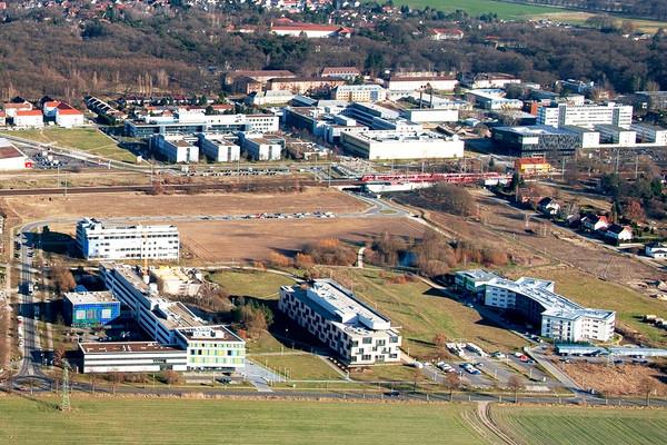 Fraunhofer und Uni Potsdam im Wissenschaftspark Potsdam-Golm.